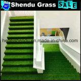Tapete de relva artificial verde para escadas com 25mm de altura