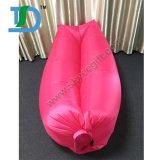速く膨脹可能なLaybagの空気ソファーのキャンプの寝袋浜のソファーのLoungerのベッド不精な袋の位置袋