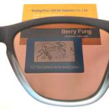 最新の様式プラスチックフレームのパソコンレンズUV400の人のサングラス