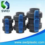 Unión de la válvula de bola PVC doble asa azul