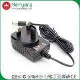 3 pines del Reino Unido el enchufe 61558 Adaptador de corriente de pared 12V 1A con Ce/GS/CB