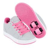 車輪を持つ子供のためのHeelyのローラースケートの靴は卸し売りする