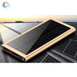 Banco de la energía solar tipo compacto 20000mAh batería cargando