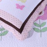 100%年の綿の子供のピンクの二つの部分から成った寝具セット