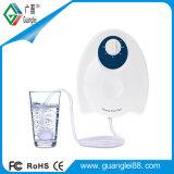 Вручную поверните озоновый фильтр для очистки воды для дома овощи фрукты мясо