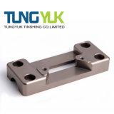 Kundenspezifischer Präzision CNC-Präge- und drehenmaschinell bearbeitenteile