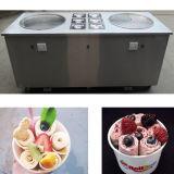 Tres compresores frieron la máquina del helado con las cacerolas dobles