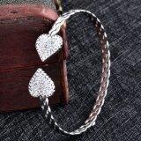 Bracelet simple en gros bon marché de fil de manchette de coeur d'acier inoxydable