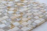 居間の小さい氷のひびの水晶タイルガラスのモザイクのため
