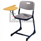 접힌 백지장을%s 가진 학교 가구 교실 나무로 되는 스케치 의자