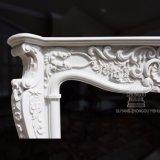 Design inspirado Romano clássico sobre esta lareira de mármore Mantel