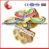 Fördernde Karikatur mit Sicherungsstift-Zinn-Tasten-olympischem Abzeichen