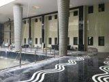 Nano noir de pierre de verre pour l'étage parquet mosaïque