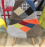 Стул складчатости пластмассы/металла нового горячего сбывания популярный обедая стул