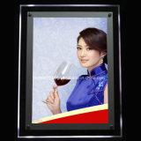 Rode Wijn die de LEIDENE Lichte Doos van het Kristal adverteert