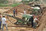 Машина сверла взрывая отверстия шахты