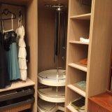 Eenvoudige Ontwerpen van de Garderobe van de Slaapkamer van Welbom de Houten