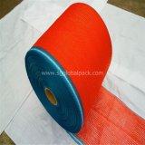 En PE rouge sac de tissu Mesh Raschel en rouleau