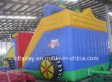 子供の楽しみのための膨脹可能な車のスライド