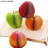Le varie figure poco costose della frutta hanno stampato le note appiccicose variopinte
