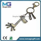 L'alta qualità progetta l'anello portachiavi per il cliente del metallo con la doratura elettrolitica antica