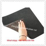Sezione di concentrazione di ginnastica Using la stuoia di gomma delle mattonelle di pavimento