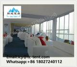 Tende esterne di lusso della festa nuziale con la Tabella della presidenza della decorazione della tenda del rivestimento