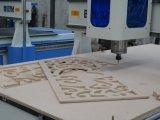 Macchina per incidere poco costosa di taglio di CNC per la vendita di legno del MDF