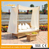 Élégant style européen en osier Outdoor Leisure Furniture Sun Lounger Daybed