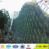 螺線形ロープのネット斜面の保護金網