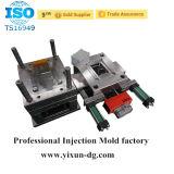 Modelagem por injeção de conexão eletrônica das peças