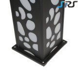 2016 Ce&RoHSの証明の点の側面の熱い販売の立方体LEDの太陽芝生ライト