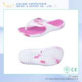 Bemant en de Vrouwen EVA drukten de Hogere Kleurrijke Pantoffels van de Wipschakelaars van de Binnenzool af