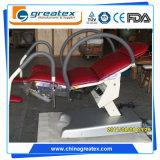 China Mesa de Examen de Ginecología Eléctrica Multifunción, Silla Ginecológica Ajustable Roja