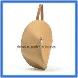 最も新しいカスタマイズされたTearproofクラフト紙の物質的なバックパック袋、Tridimensional調節可能なベルトが付いている防水クラフト紙の単一の肩のメッセンジャー袋