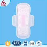 Coton doux des serviettes hygiéniques pour les femmes