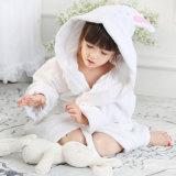 Accappatoio animale del bambino di disegno del cotone