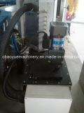 A cola termofusível quente OPP rotulando máquina para bebidas garrafa PET