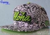 Sombrero de la impresión con insignia del bordado