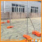 Rete fissa provvisoria saldata della rete metallica con i piedi di plastica arancioni