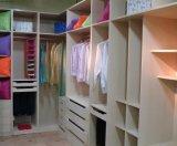 Gabinete de suporte de TV de PVC de cor branca com armários de vidro temperado Portas