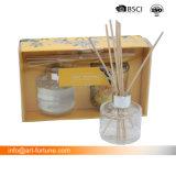 Glasdiffuser (zerstäuber) mit Abziehbild-Papier und duftende Glaskerze im Farben-Kasten für das Förderung-Geschenk