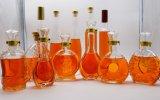 Bottiglia di vetro su ordine del liquore o del vino con l'alta qualità