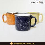 Taza de café de cerámica promocional de la taza del esmalte con la maneta