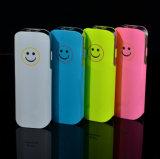 Banco de potencia portátil de la cara de sonrisas para todos los teléfonos inteligentes con linterna LED