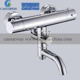 Le laiton porcelaine sanitaire Baignoire Salle de bain thermostatique de l'eau du robinet mélangeur