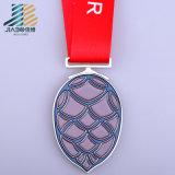 カスタム柔らかいエナメルのマラソンメダル金属メッキメダル製造業者