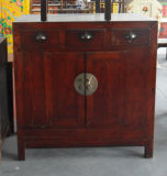 Китайский шкаф желтого цвета античной мебели