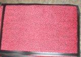 Stuoia di portello antisdrucciolevole dell'entrata del mucchio del taglio dei pp con la protezione del PVC