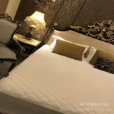 ヒルトンホテル熱い販売の様式Luxriousおよび快適なマットレスの保護装置
